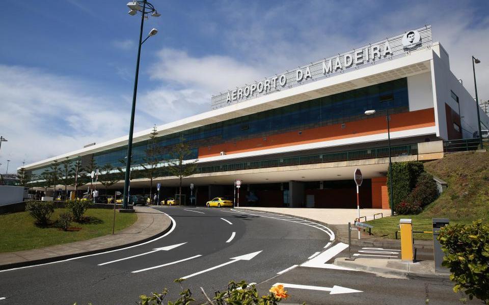 Cancelados 18 voos com destino ao aeroporto da Madeira devido ao vento forte