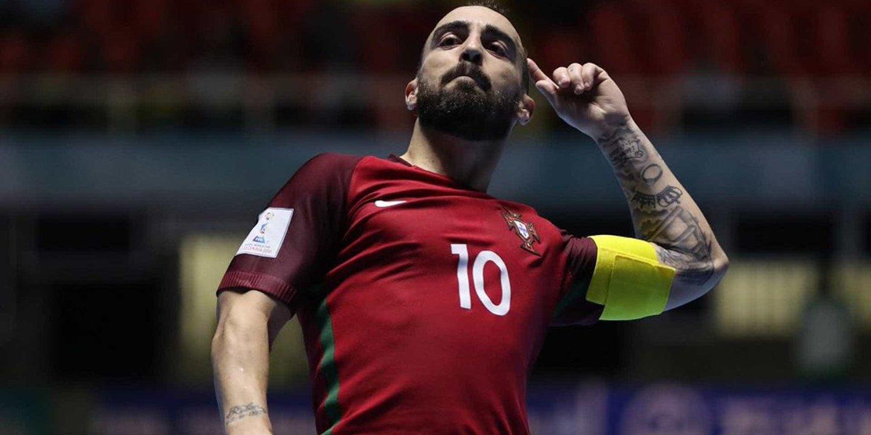 """Ricardinho """"trocava quatro Bolas de Ouro"""" pelo título europeu com Portugal"""