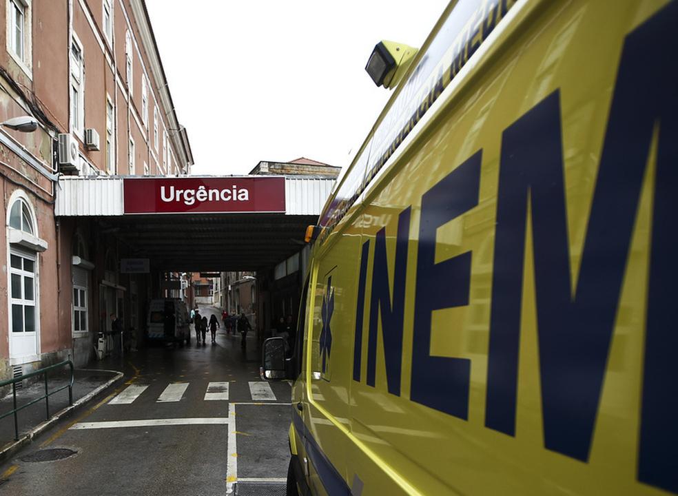 Greve dos enfermeiros adia mil cirurgias em três dos principais hospitais do país