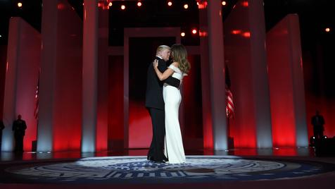 Melania e Donald Trump - A dança
