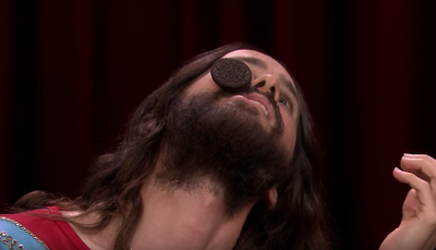 """Que """"coisas difíceis"""" consegue fazer Jared Leto em 30 segundos?"""