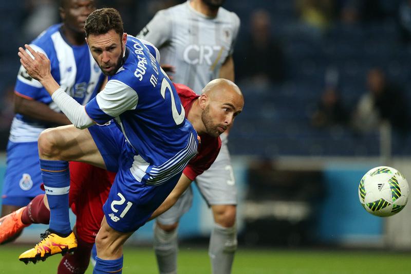 FC Porto garante Layún em definitivo