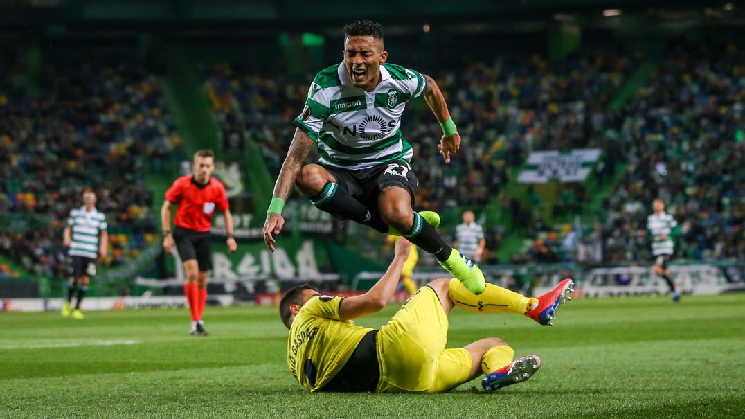 Jogada espetacular de Raphinha deixa defesa do Villareal torto