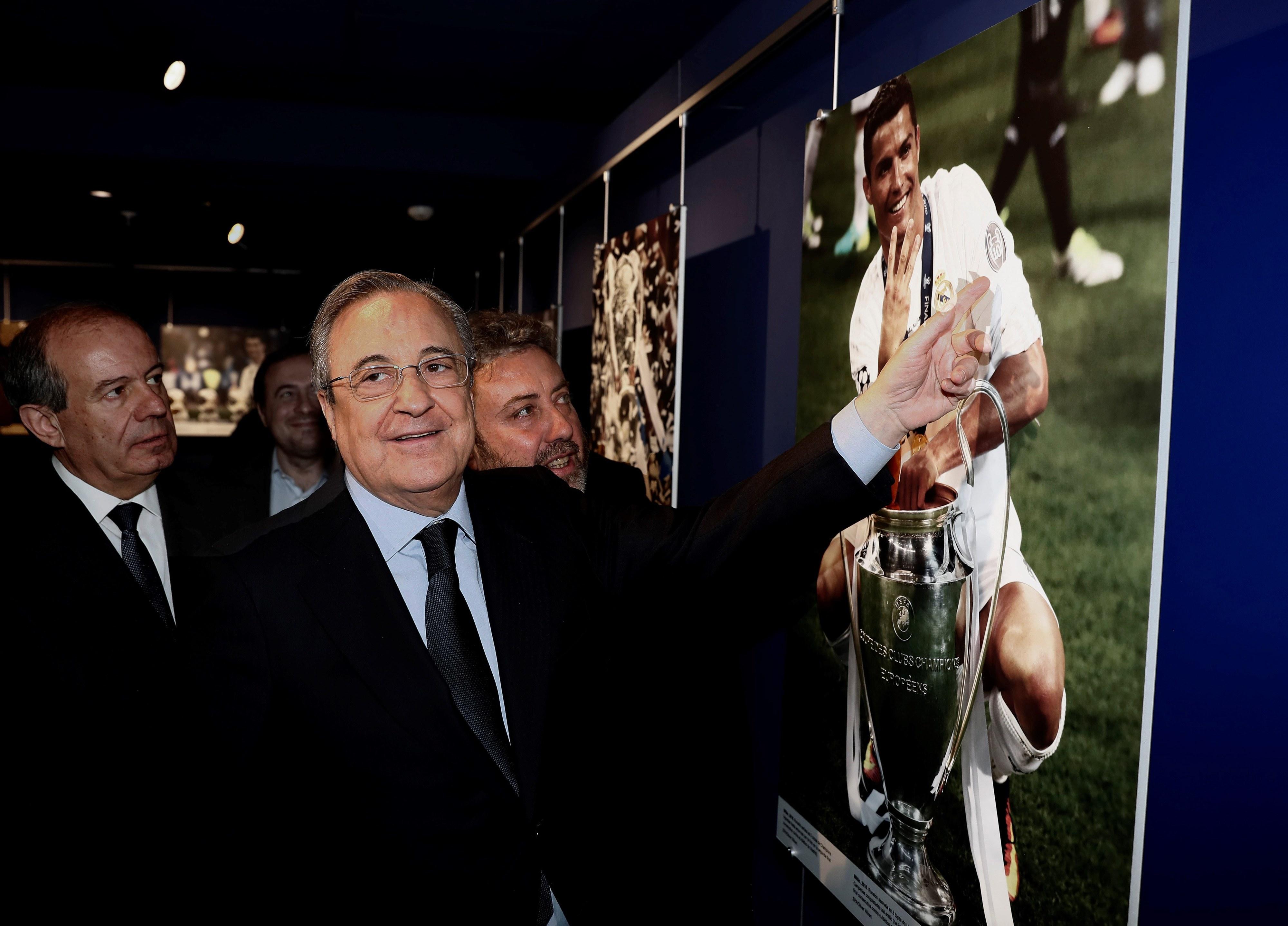"""""""Ronaldo, o menino de ouro"""": Exposição de fotografia do melhor do mundo inaugurada em Madrid"""
