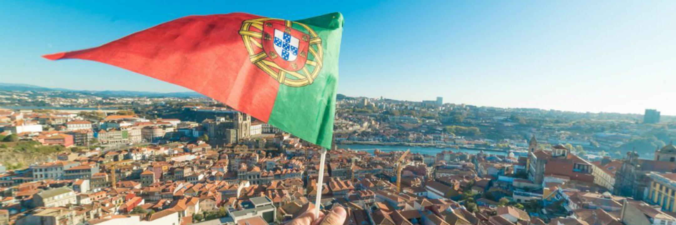 Há cada vez mais milionários espanhóis a mudar-se para Portugal e a culpa é dos impostos