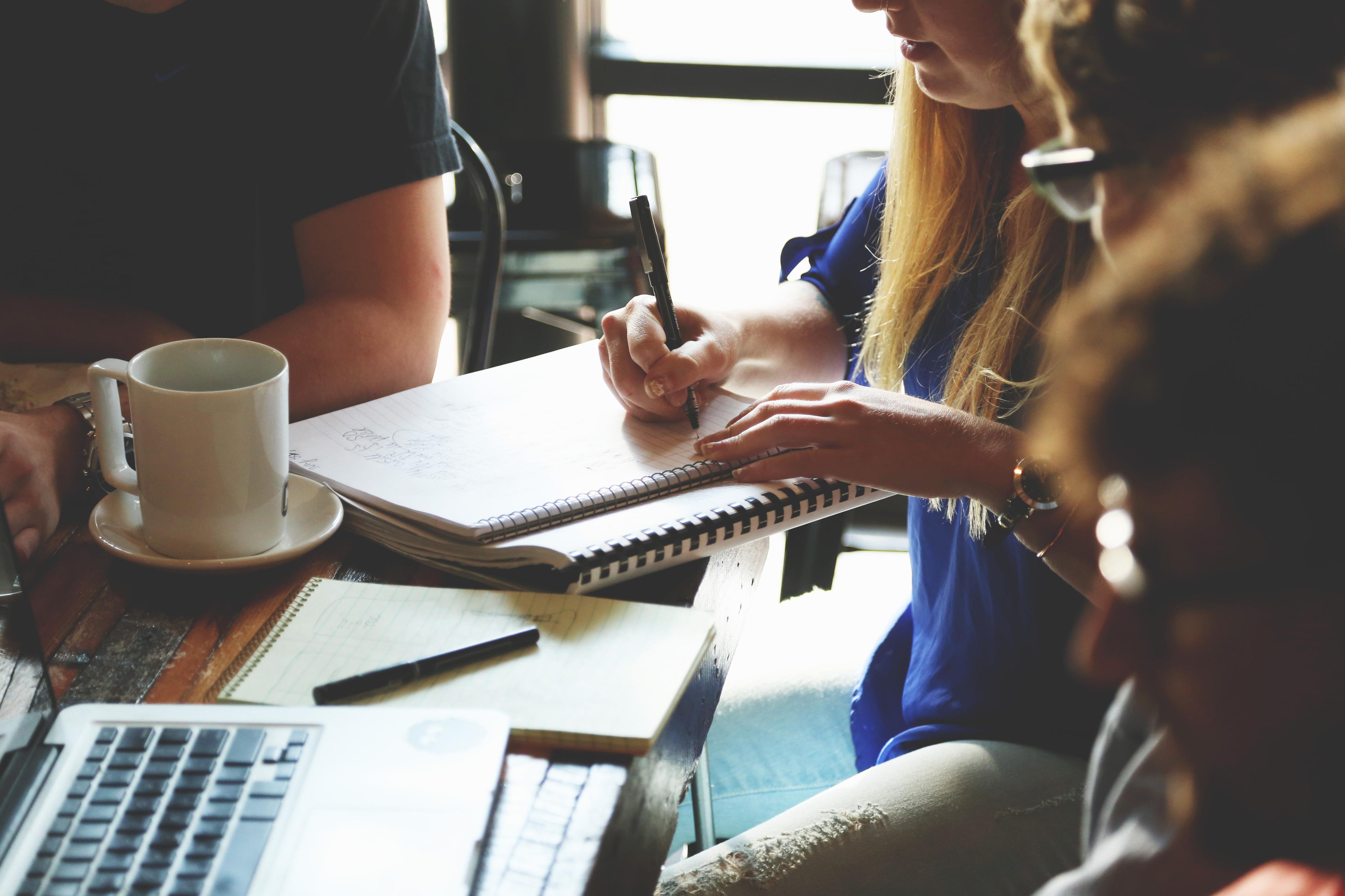 """Millennials preferem trabalhar no escritório, deixando o """"home office"""" para os mais velhos"""