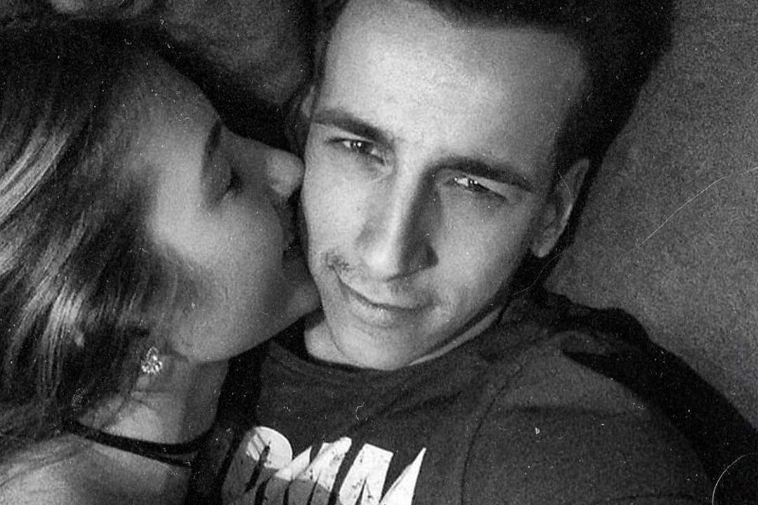 Fernando Daniel declara-se à namorada em dia especial