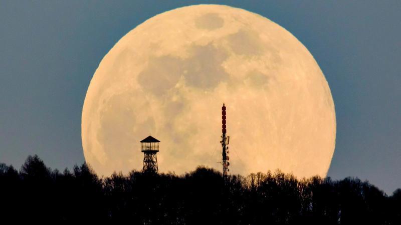 Hoje é noite de Super Lua. Qual a melhor hora para ver em Portugal?