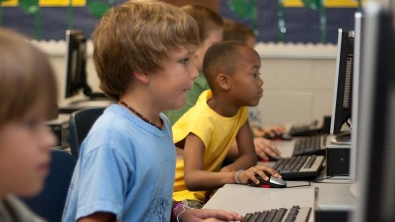 Nova iniciativa da Fundação da Juventude quer despertar estudantes para a tecnologia