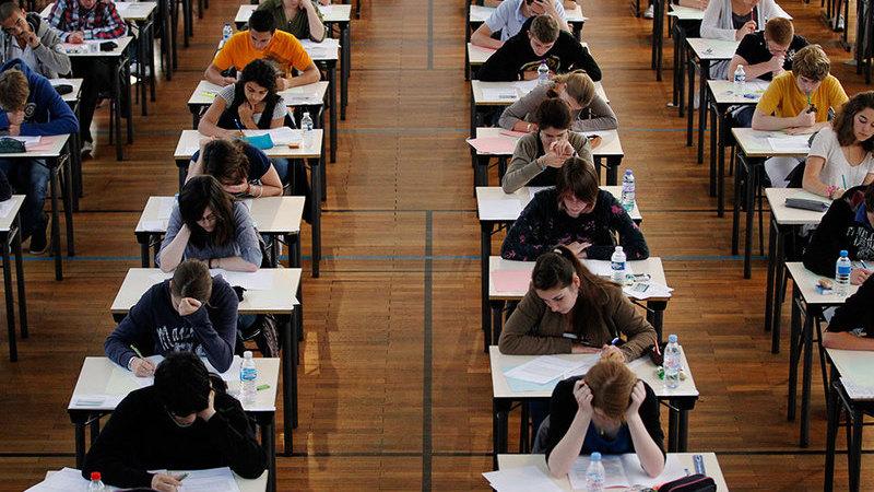 Sindicatos de professores contra regresso às aulas presenciais em maio e defendem adiamento de exames