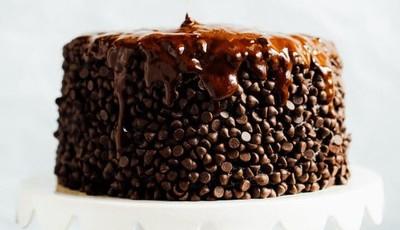 Este é o bolo de chocolate perfeito para a dieta: sem açúcar, leite ou farinha