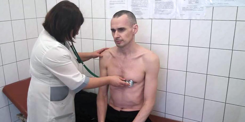 Cineasta ucraniano Oleg Sentsov pode morrer após greve de fome de 145 dias