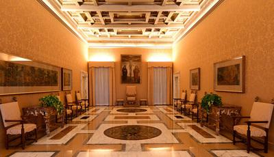 A luxuosa residência de verão do Papa é aberta ao público