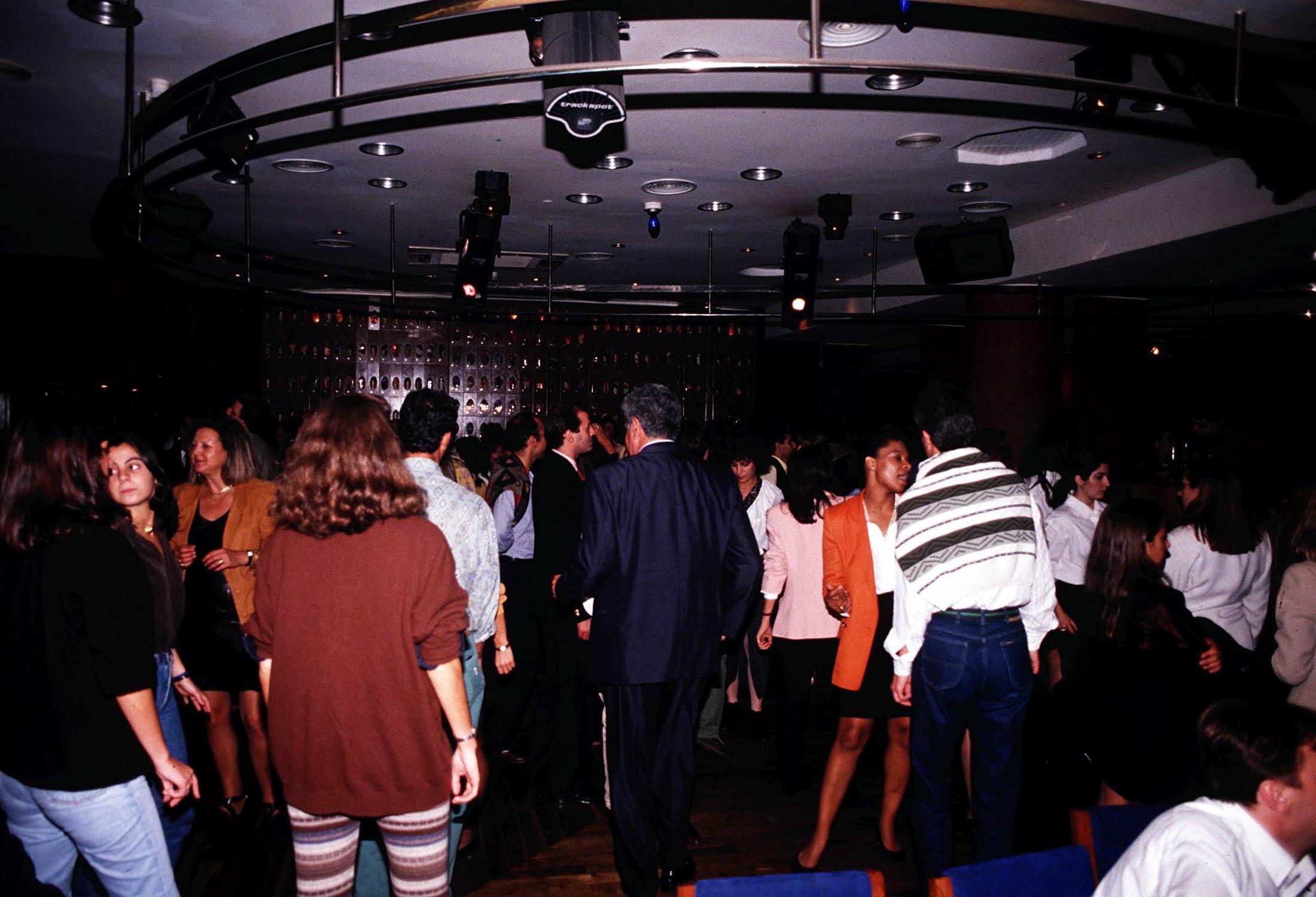 Bares e discotecas com medidas de segurança reforçadas a partir de hoje