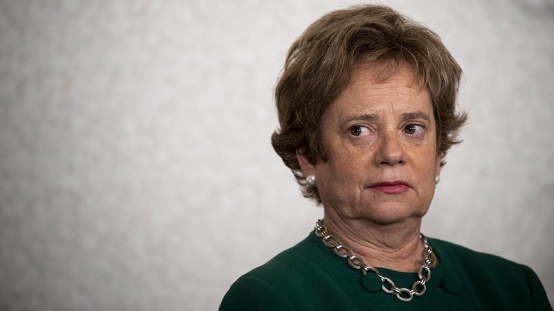 Provedora de Justiça questiona atribuição de prémios por cobrança de dívidas