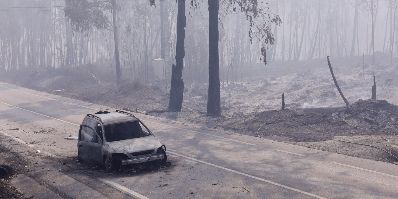 O vídeo do Guardian sobre o incêndio de Pedrógão Grande que não deixa ninguém indiferente