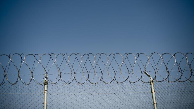 Visitas a reclusos com duração máxima de 30 minutos e agendamento prévio