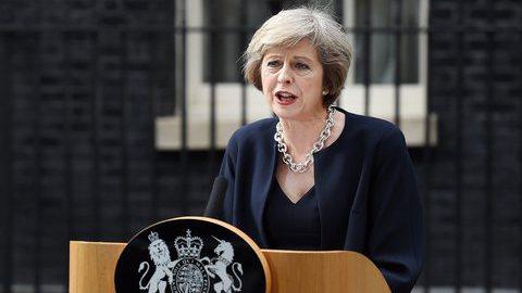 Theresa May quer avanços no Brexit