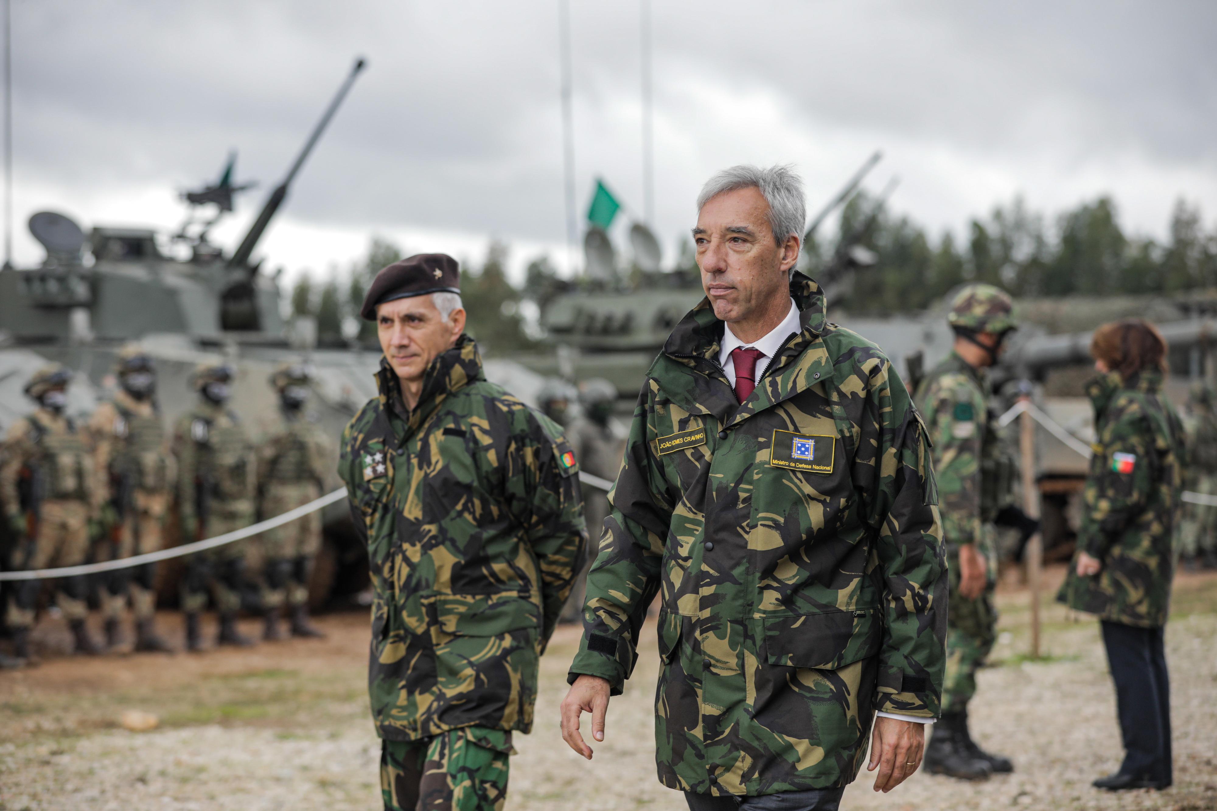 Ministro da Defesa vai ao Mali para visitar as tropas portuguesas