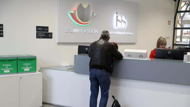 Portugal tem pensão máxima de 167 mil euros enquanto Suíça e Espanha impõem limites de 1.700 e 2.500 euros?