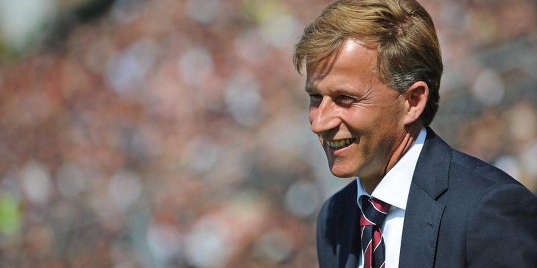 Chicotada psicológica na Liga Alemã. Wolfsburgo despede Jonker