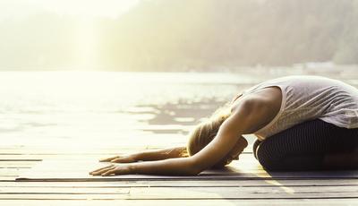 Os benefícios do ioga explicados por um cardiologista