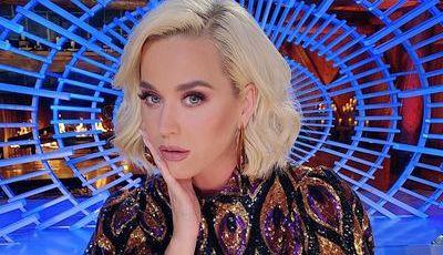 Katy Perry cansou-se do corte de cabelo bob e tem novo visual