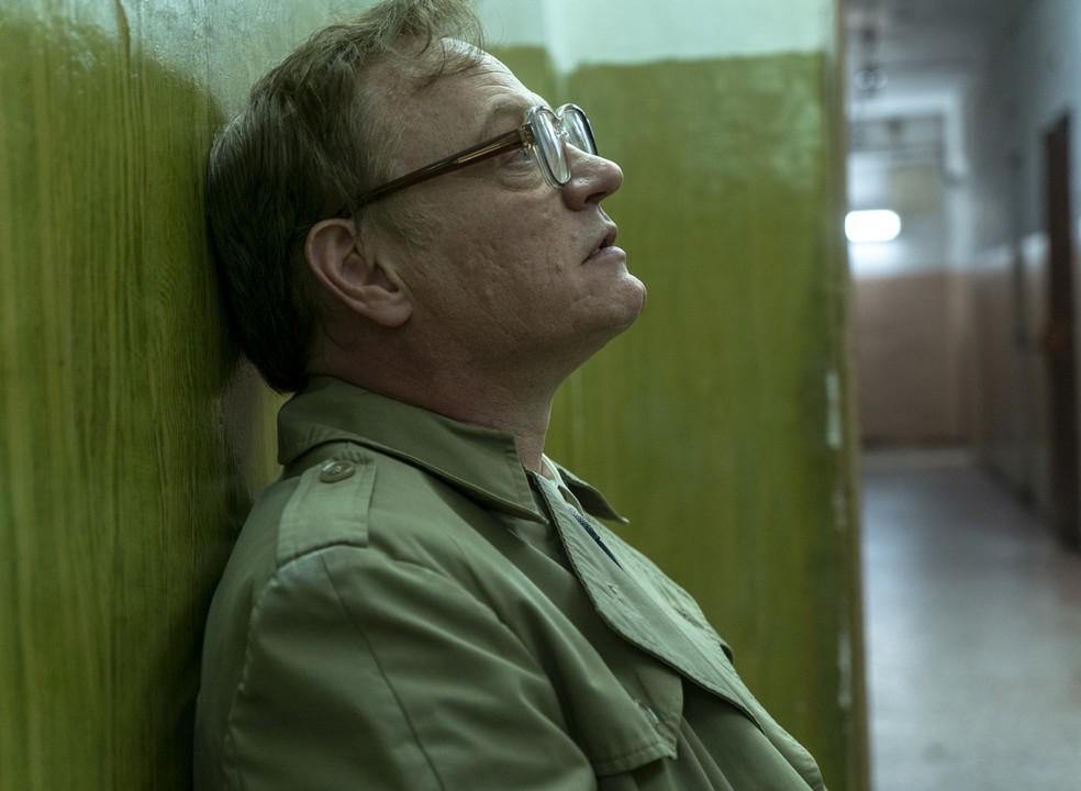 """Realidade e ficção lado a lado em """"Chernobyl"""": vídeo compara série com imagens do desastre nuclear"""