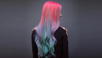 Penteados para quem gosta de cabelos com (muita) cor