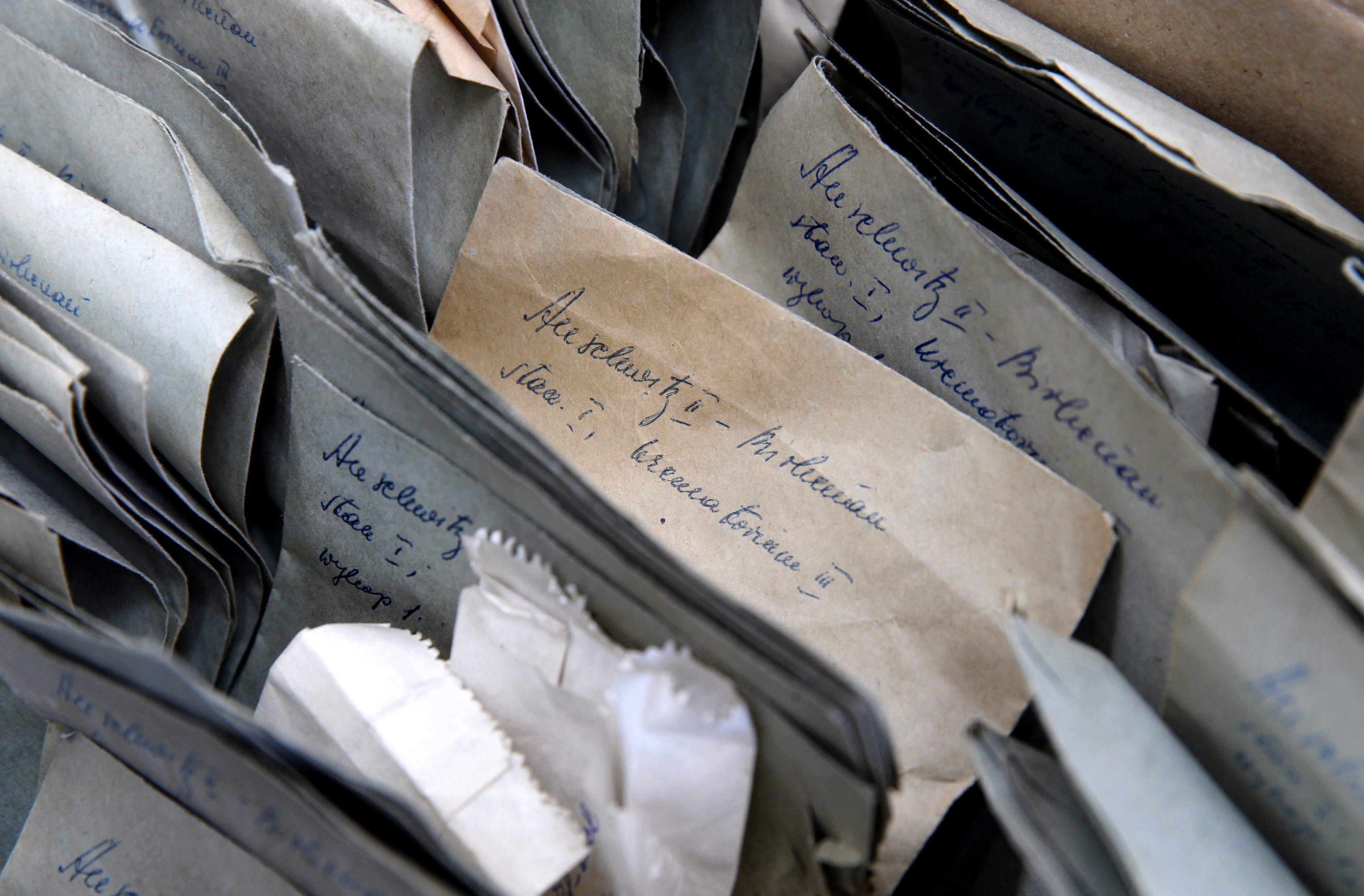 """Neta do comandante nazi de """"A Lista de Schindler"""" desenterrou o passado em livro"""