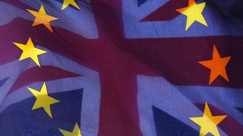 Embaixadores da UE falham acordo sobre mandato para negociar relação com Londres após o Brexit