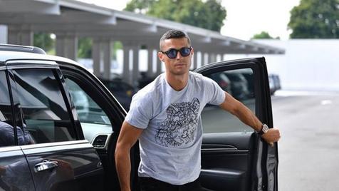 Cristiano Ronaldo passa por ritual de iniciação na Juventus