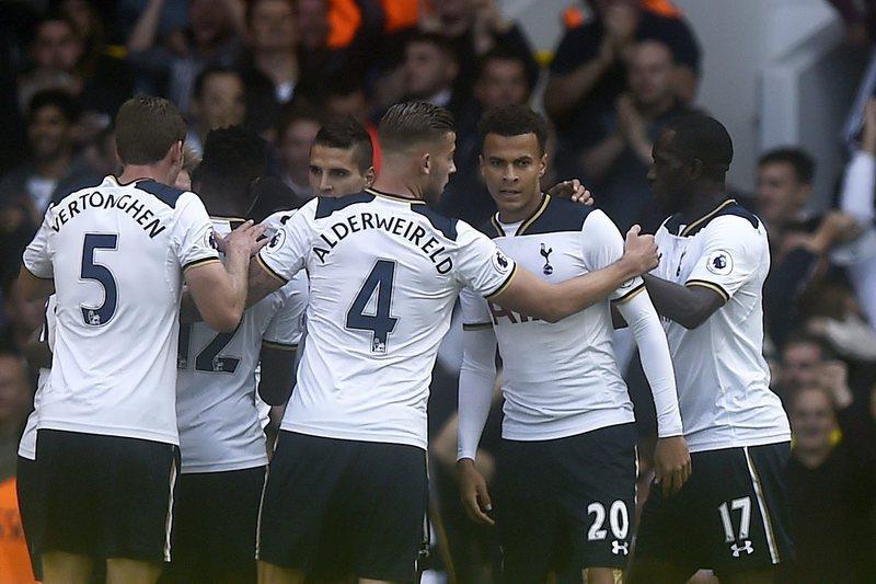 Chelsea e Tottenham disputam o título até ao fim