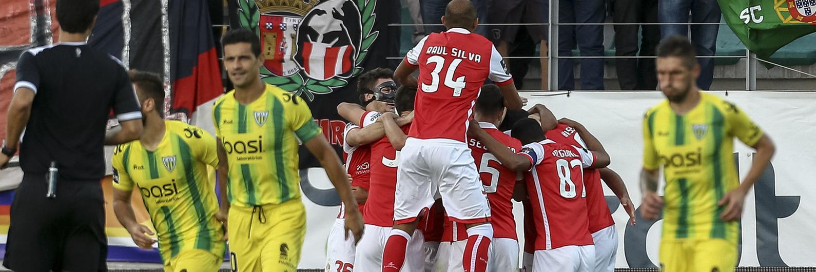 Tondela derrotado pelo SC Braga. Ricardo Costa faz um dos autogolos do ano