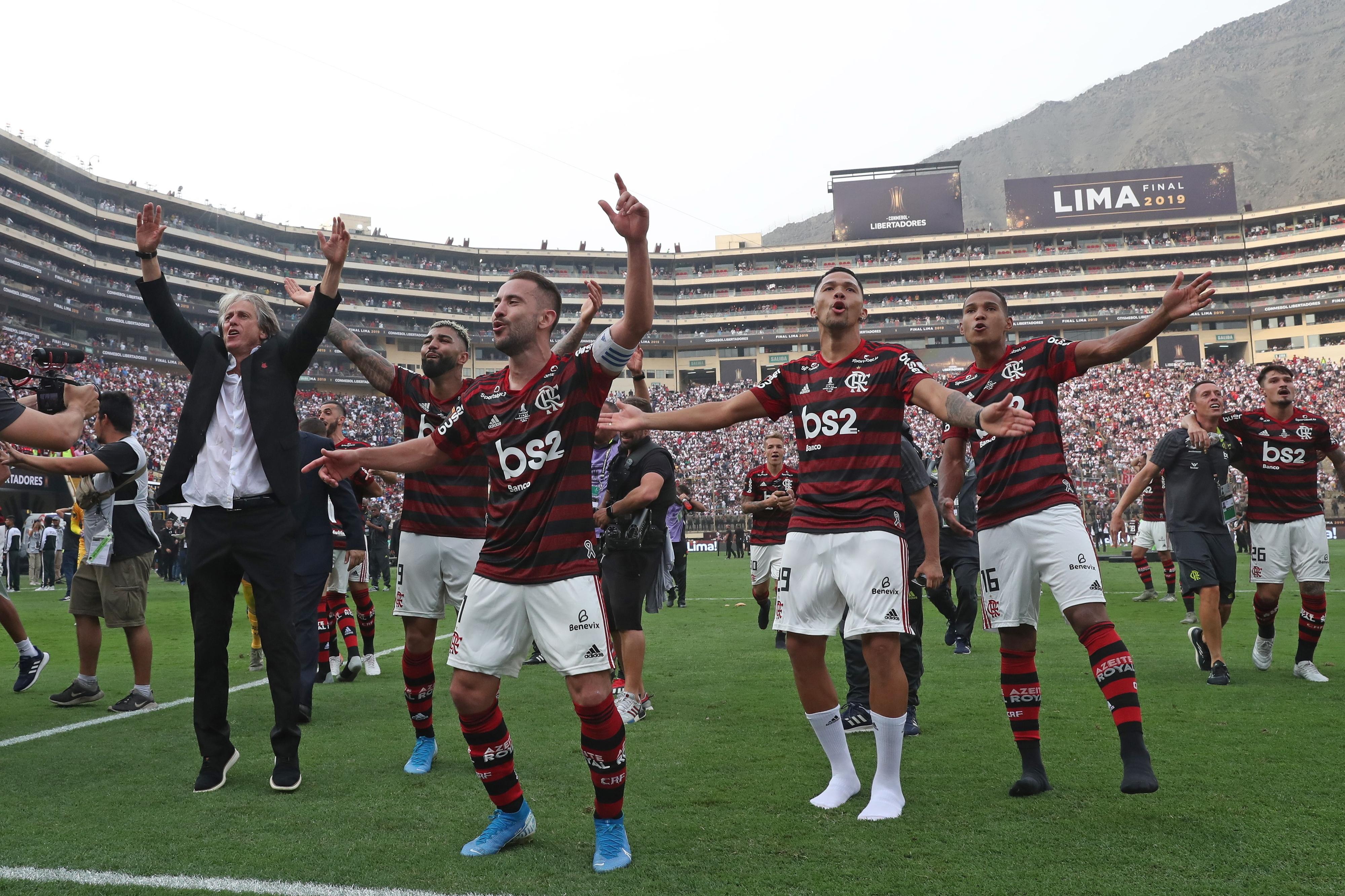 Flamengo, de Jorge Jesus, despede-se do Maracanã com goleada