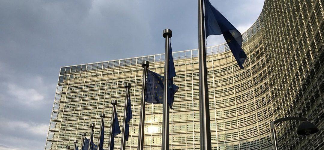 """Bruxelas """"convida"""" Governo a utilizar ganhos com BdP e CGD para baixar dívida"""