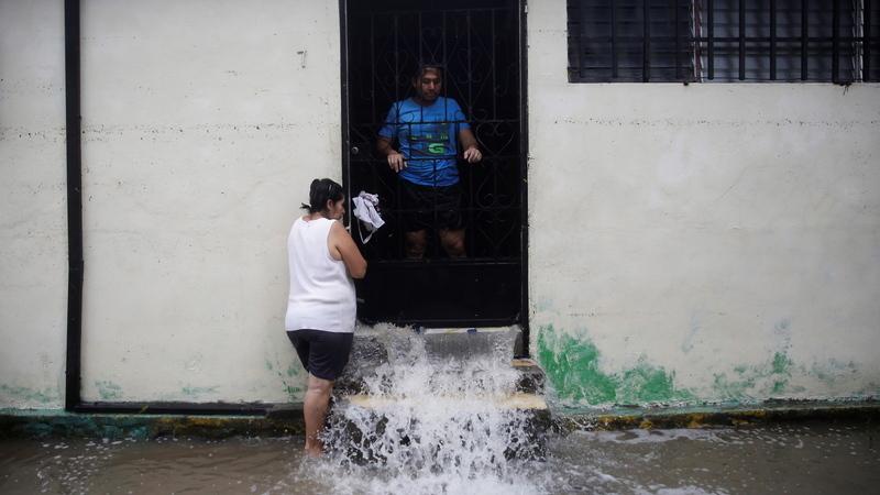 Depressão tropical em El Salvador causa pelo menos 14 mortos, 1.200 famílias desalojadas