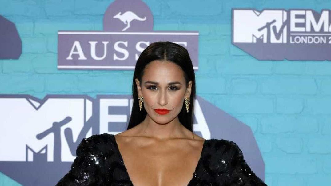 MTV EMA: Com decote ousado, Rita Pereira 'brilha' na passadeira vermelha