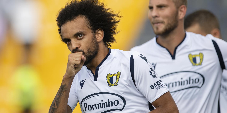 Famalicão vence Paços de Ferreira e mantém-se líder do campeonato