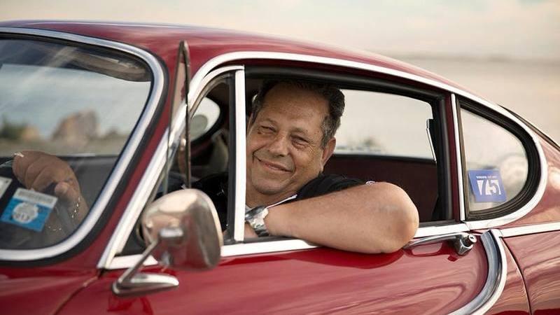 A história de Irv Gordon e o seu Volvo P1800