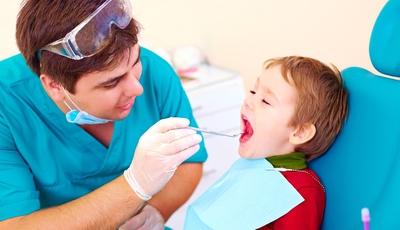 Primeira ida ao dentista: O medo do bicho-papão