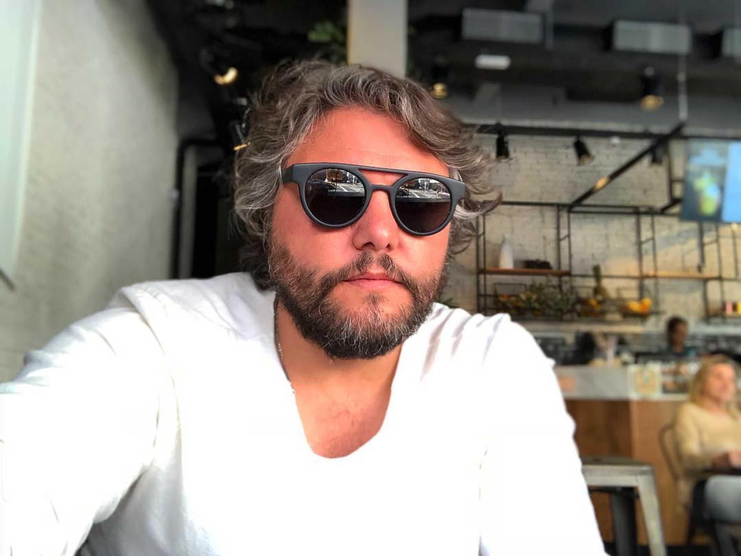 """César Mourão alerta: """"Entraram no meu perfil ou copiaram"""""""