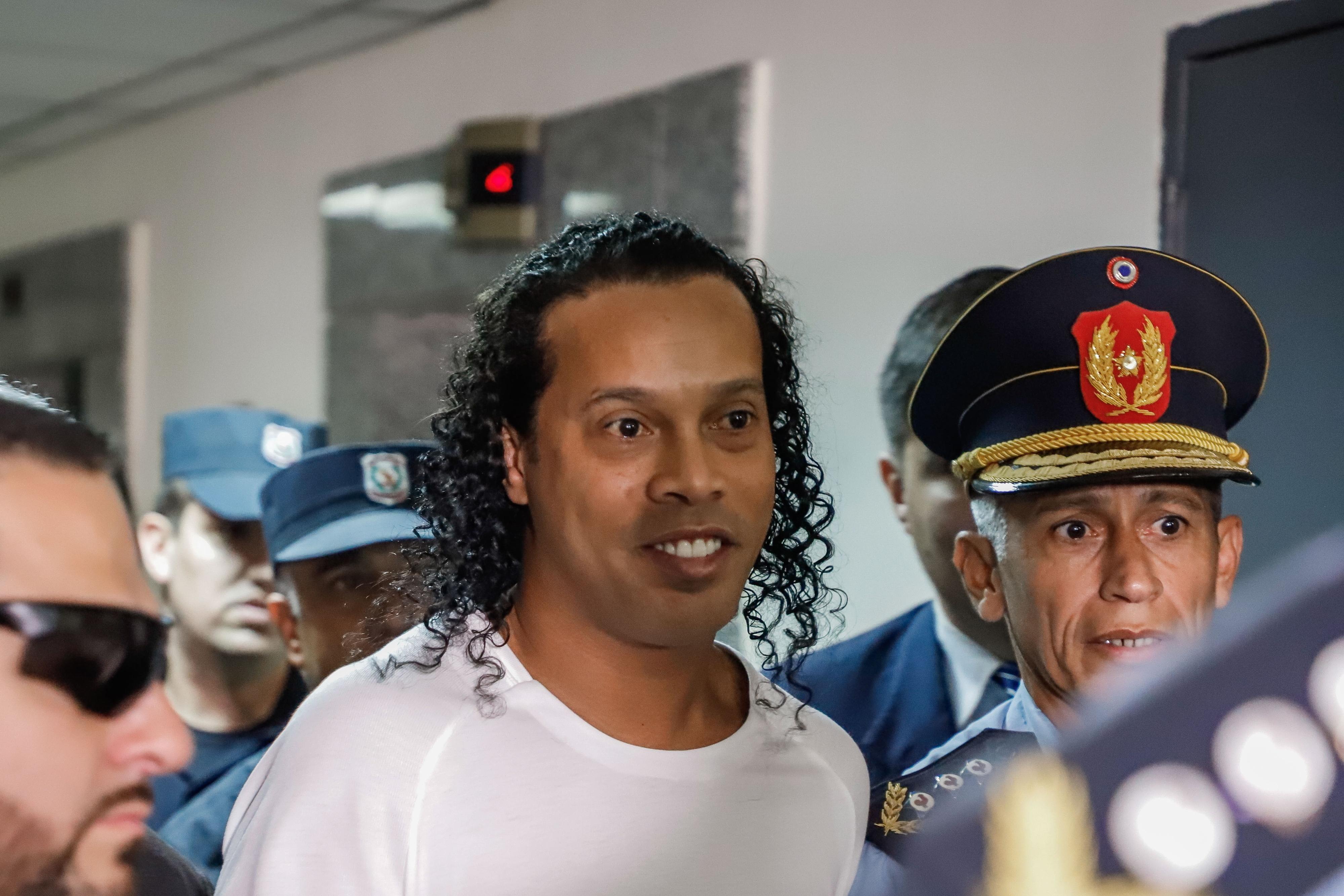 A nova vida de Ronaldinho, detido há um mês no Paraguai