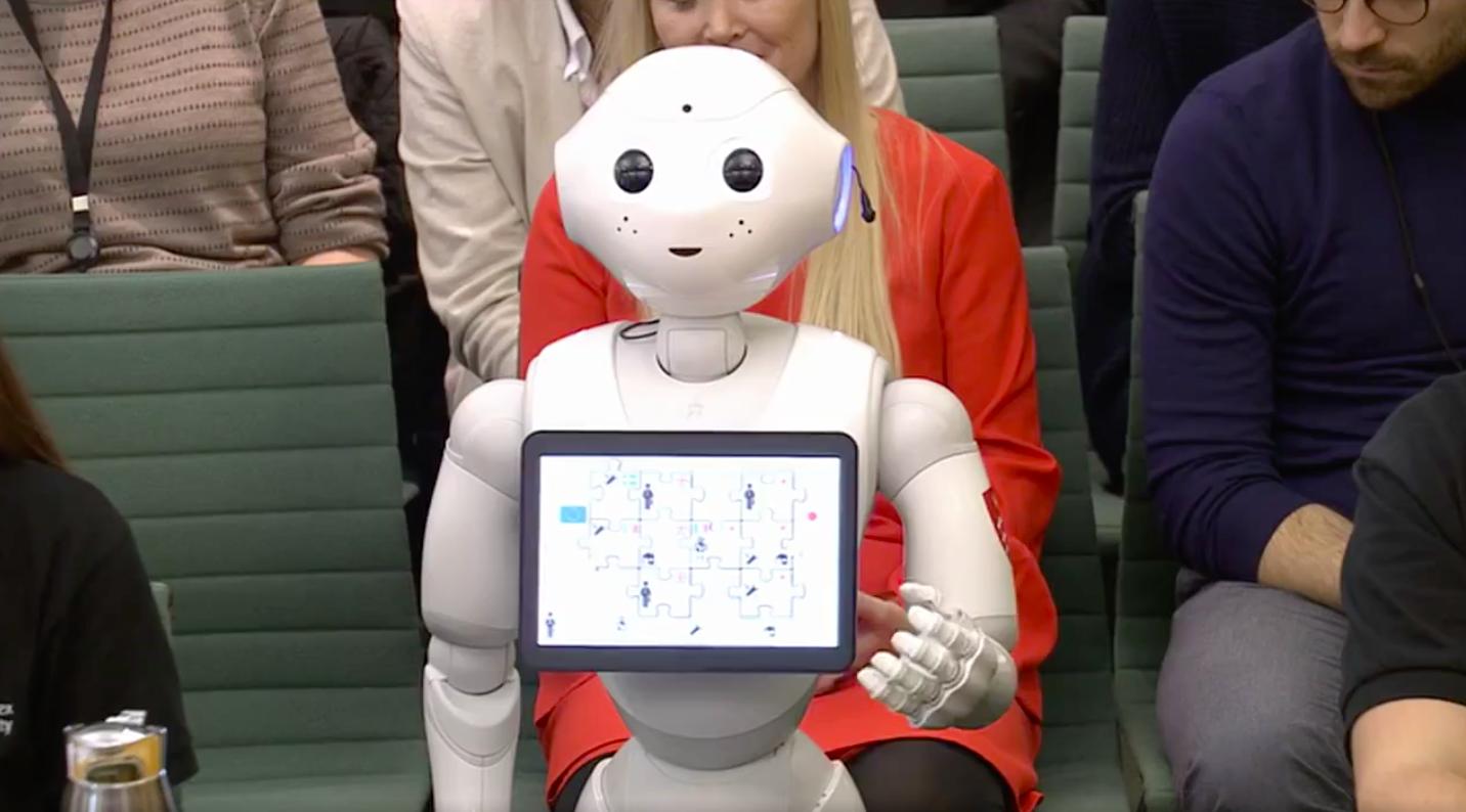 Pepper, o robot que falou de inteligência artificial no Parlamento britânico