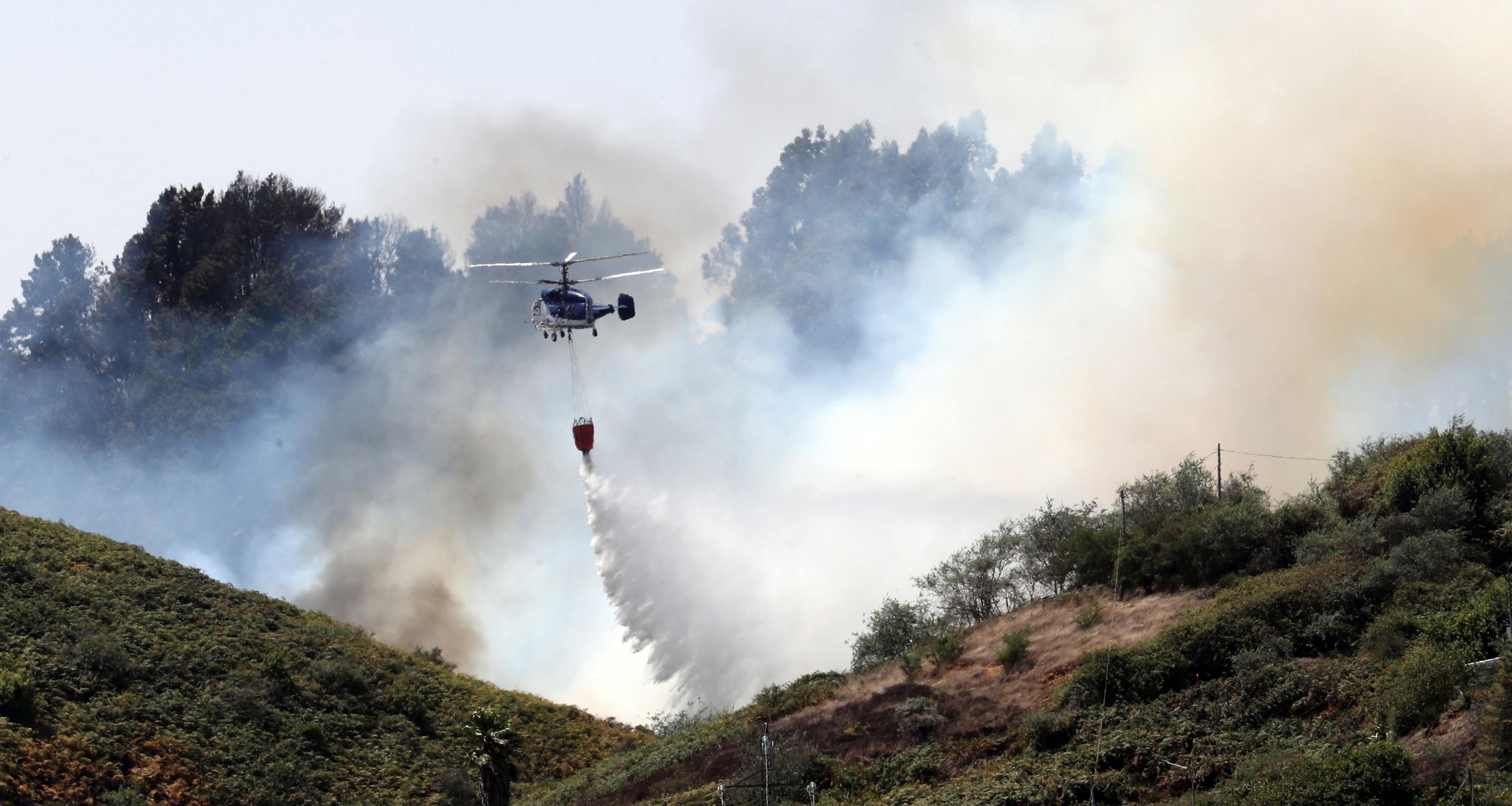Incêndio na ilha espanhola de Grande Canária controlado durante a madrugada