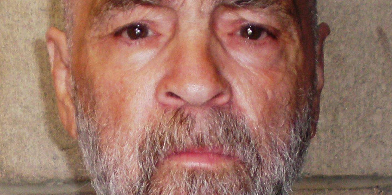 Assassino Charles Manson cremado quatro meses após a sua morte