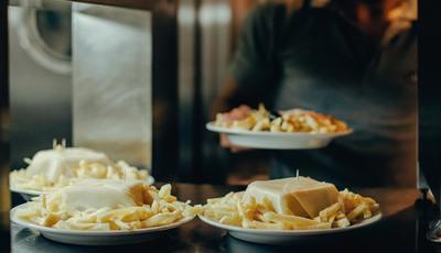 Portal de viagens elege as 50 sanduíches épicas da Europa. Uma é portuguesa