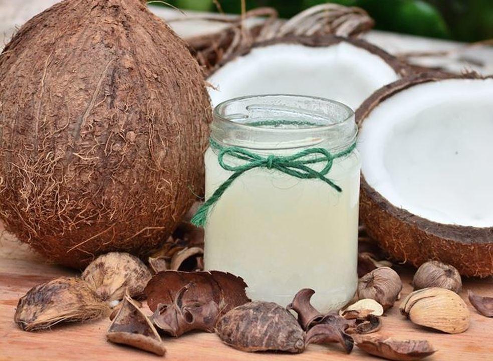 Pele regenerada: benefícios do óleo segundo a Ayurveda