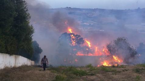 Rodeados por chamas