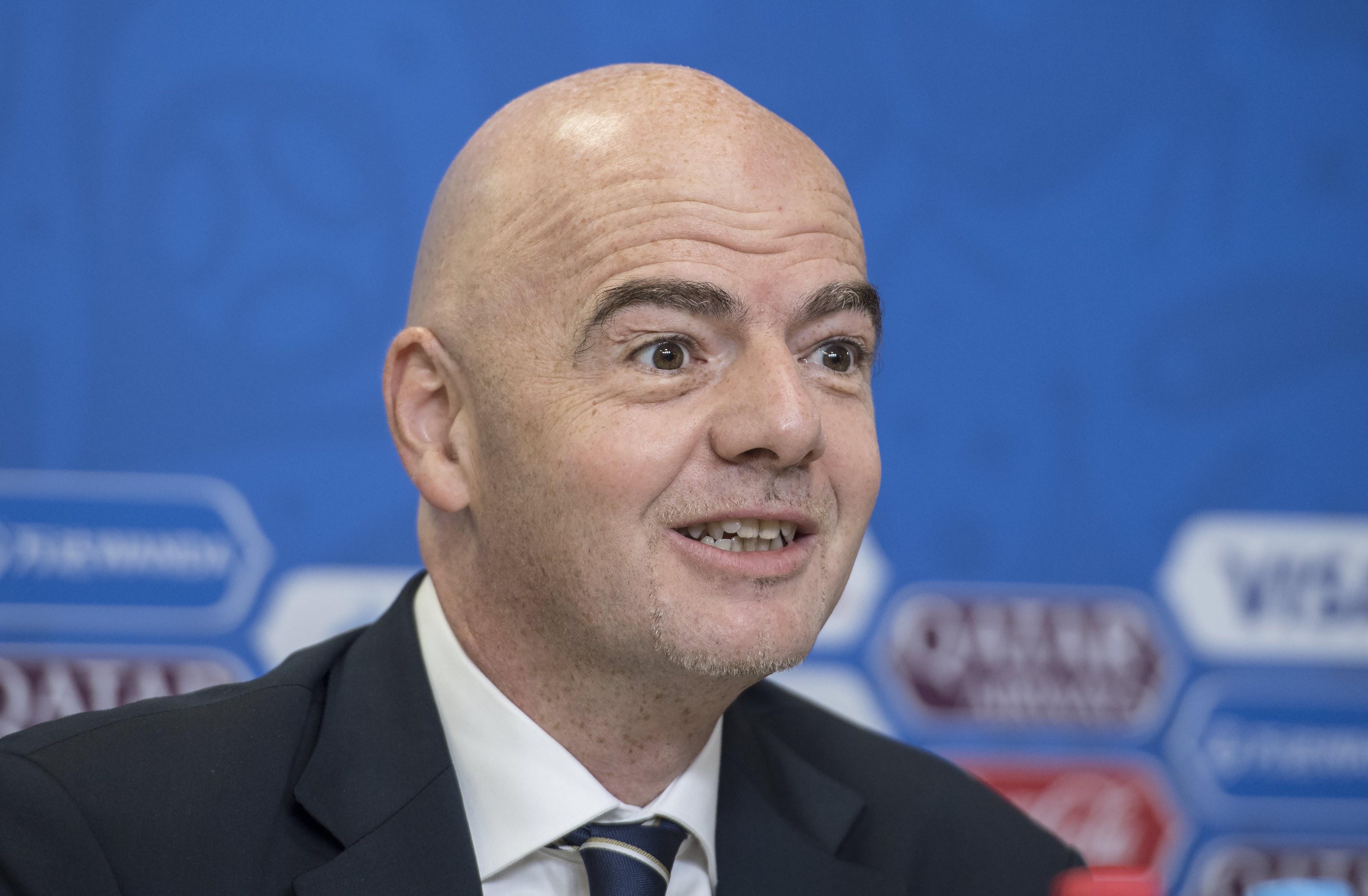 Presidente da FIFA defende escolha do vídeoárbitro